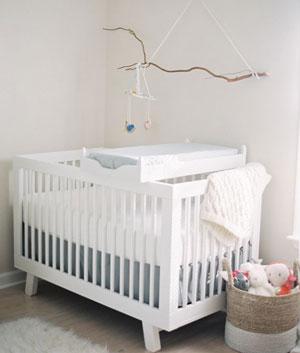 white-crib